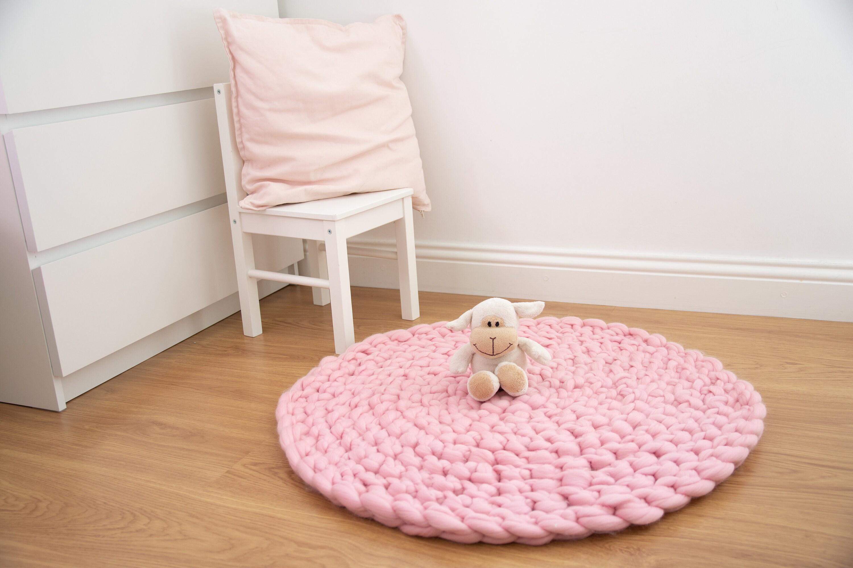 Image of: Pink Nursery Rug Floor Mat Chunky Knit Round Rug