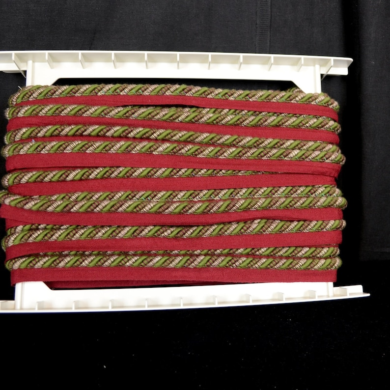 REMNANT Red Green Cord Trim .325 Inches x 18 Yards