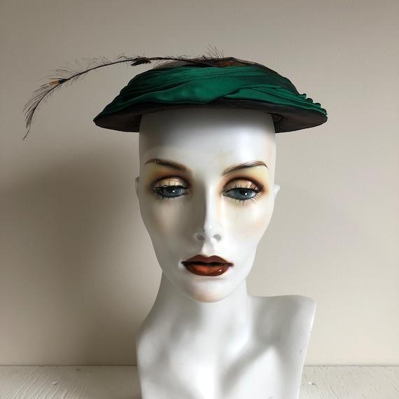 Unique Vintage Hat / Green Fascinator / Feather De