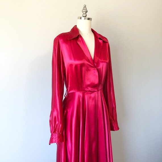 Gorgeous 40s Satin Housecoat / 40s Dressing Gown /