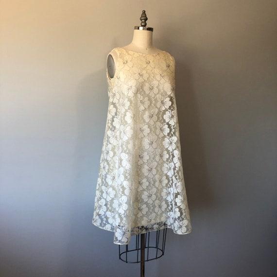 Mod 60s Lace Dress / White Floral Lace Mini Dress