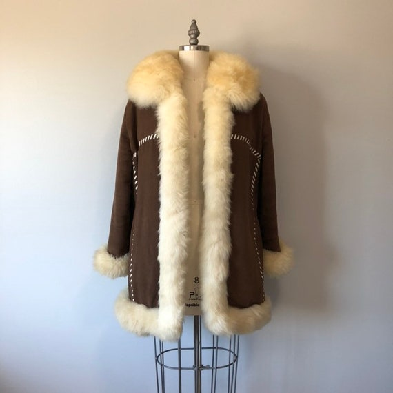 70s Boho Vintage Coat / Cold Weather Wear / Eskimo