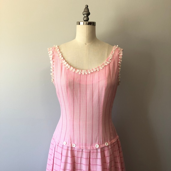 Soft Pink Dainty Dress / Vintage Day Dress / Summe