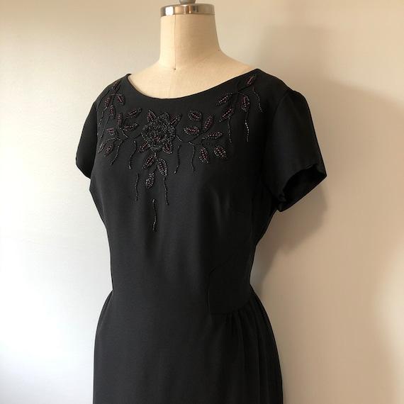 50s Vintage Rockabilly / Black Wiggle Dress / Red