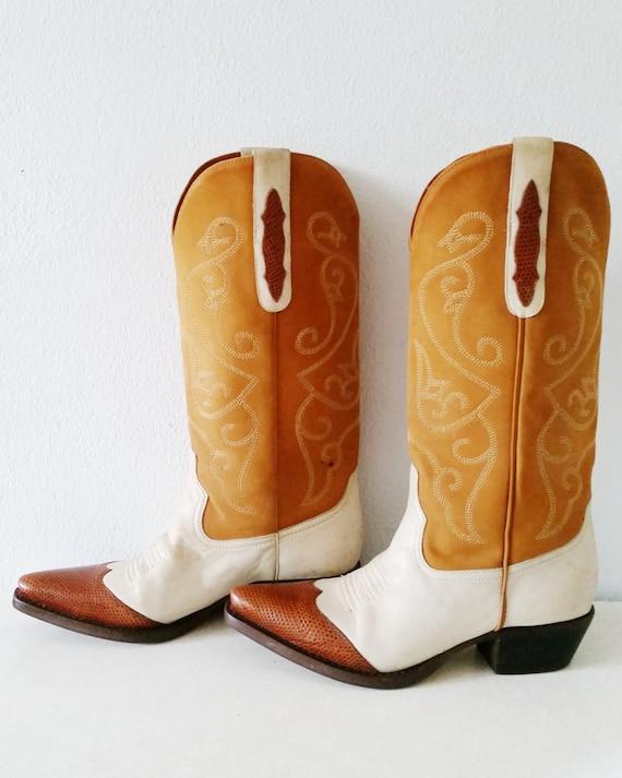Amazing  Vintage 1970s Designer NINE WEST White Brown Leather Cowboy Boots
