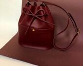 Leather bucket bag La Lisette Burgundy leather shoulderbag womens bag