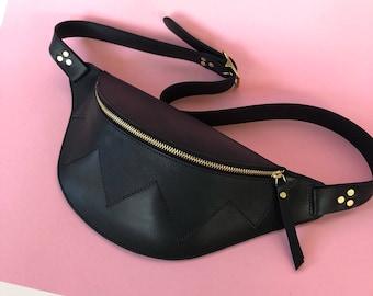 Black Leather fanny pack, belt bag, leather bag, la lisette hip bag, bumbag, waistbag