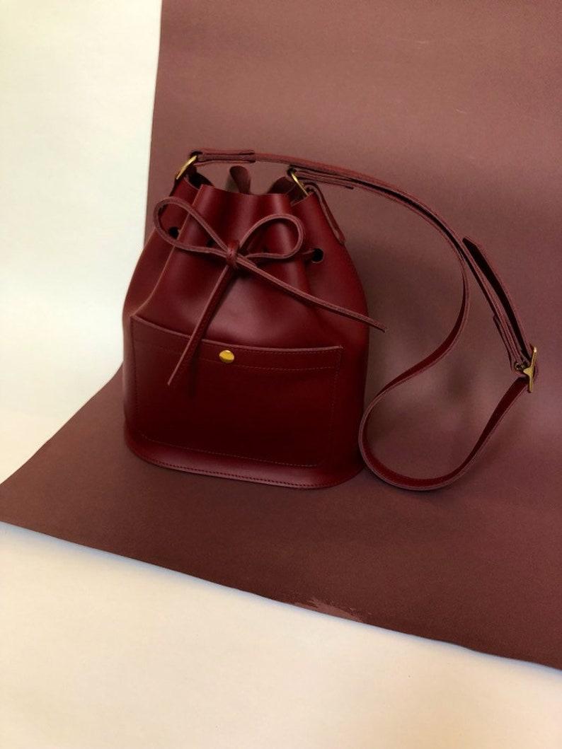 Leather bucket bag La Lisette Burgundy leather shoulderbag image 0