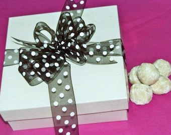 36 Pecan TEA BALLS,Russian teaballs,mexican wedding cakes,butter cookies,Christmas cookies,Party dessert