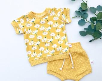 Yellow Daisies Kids Outfit / Yellow Polka Dot Baby Shorts / Short Sleeve Baby Shirt / Girl Clothes / Toddler Shirt