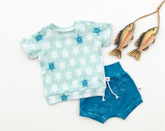 Sea Turtles Baby Outfit, School of Fish Baby Shorts, Beach Kids Clothing, Unisex Baby Shirt and Blue Fish Shorts Set, Baby Gift Set