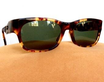 bcf0347a377c0 Ray Ban Sunglasses   Bohemian Wayfarer   Bausch   Lomb   Vintage 1980s    Tortoiseshell   Made in USA   Polarized Lenses