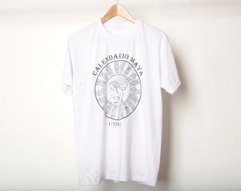 a578e9ca5 vintage 1990s MAYAN calendar black & white size medium t-shirt top