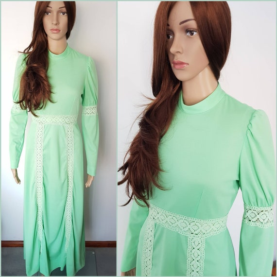 Vintage 70s Spearmint Green Crochet Poet Sleeve Ma