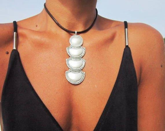 women choker, choker necklace, handmade jewelry, pendant necklaces, silver necklaces, unique necklaces, nature jewelry, leather necklace