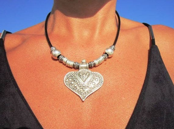 boho jewelry heart choker, heart pendant necklace, women choker, choker necklace, silver heart, pendant necklaces