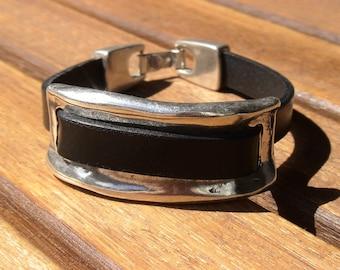 black cuff, womens bracelets, cuff bracelet, solid bracelet, durable Bracelets, trend jewelry, fashion jewelry, accessories, charm Bracelet