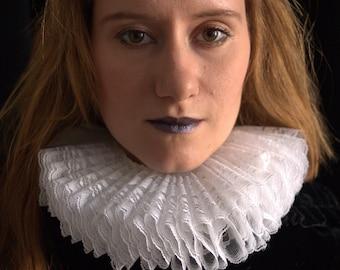 NECK RUFF / Elizabethan / ruff / costume / fashion / handmade / white / lace / accessory / Shakespeare / antique / vintage / couture / 1500s