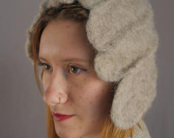 Flapper Hat - 100% wool / felt hat / cloche hat / finger waves / needle felted / wavy / grey / mod / handmade hat / vintage hat / winter hat