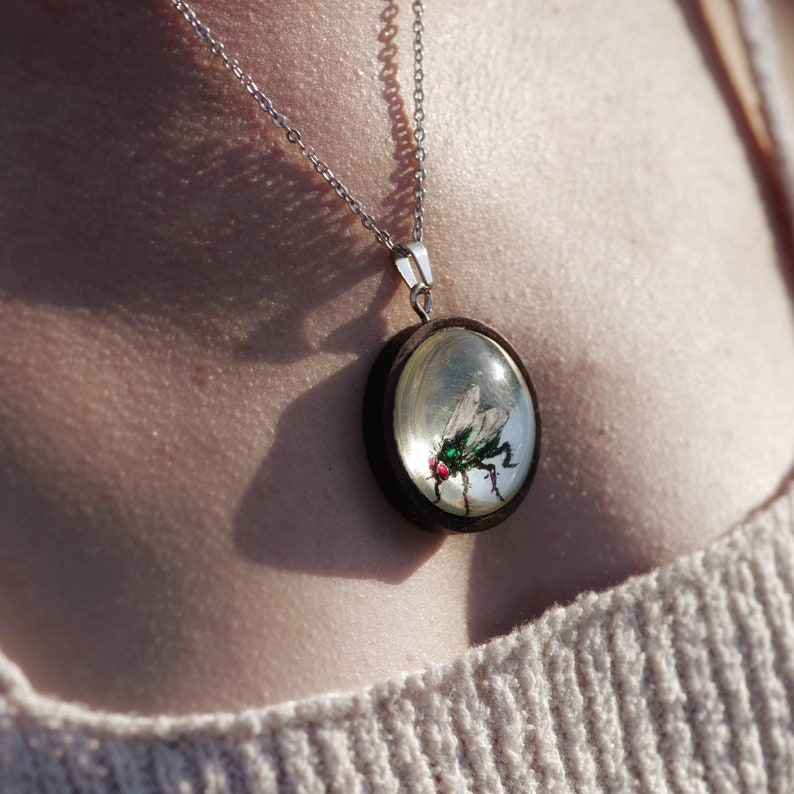 Iridescent Fly Necklace  genuine white gold / gilded / image 0