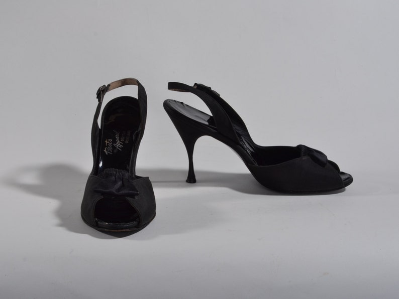 fa3efd89ee1dc Vintage 1950s Black Stiletto Shoes - Peep Toe High Heels - Pin Up Fashions  Size 7 N