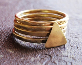Stacking gold brass rings, hammered gold brass ring set, set of 4 hammered brass rings with triangle,triangle ring set,hammered band rings