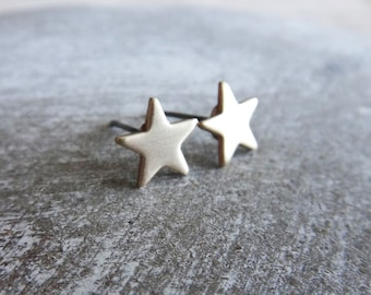 Star earrings, gold star earrings, gold star stud earrings, golden star earrings, small star stud earrings, gold brass star earrings