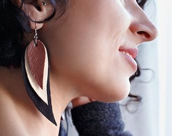 Dark brown, cream and brown Feather Earrings, Leather Feather Earrings, Boho chic, bohemian, leaf earrings, long earrings, wings