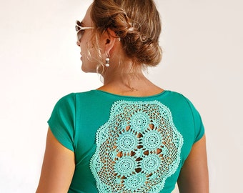 Emerald green t-shirt with upcycled vintage crochet doily back jersey t-shirt - Size S