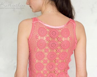 Salmon pink tank top with upcycled vintage crochet doily back - Size S