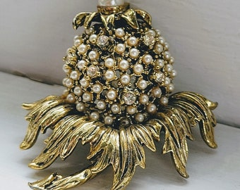 Vintage Weiss Gold Pineapple, Pearl and Rhinestone Brooch   Golden Pineapple with Faux Pearls and Rhinestones Pin   Free Shipping