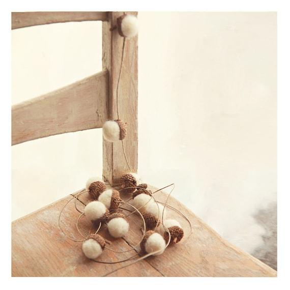 7 Ft HEMP TWINE GARLAND  with 18 Snow White Wool Felted Acorns  | Decorative Garland | Wedding Decor | Rustic Home Decor | Rustic Wedding