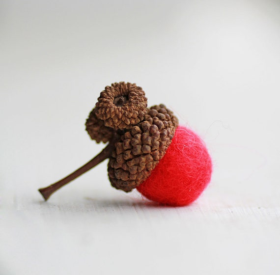 Set of 24 RED  Wool Felted Acorns| boho, cottage chic, woodland, rustic