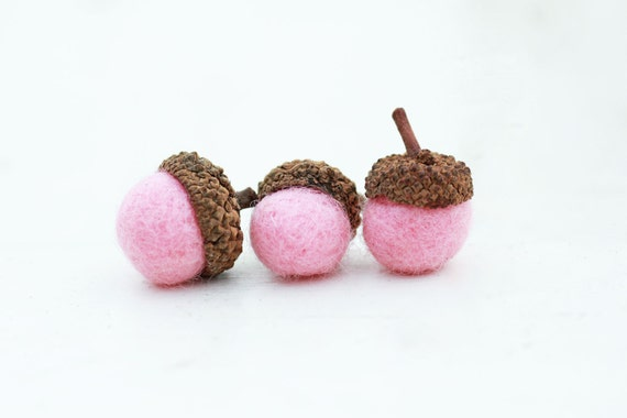 Set of 12 PINK  Wool Felted Acorns| boho, cottage chic, woodland, rustic