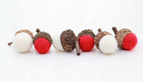 Set of 6 RED AND WHTE  Wool Felted Acorns| boho, cottage chic, woodland, rustic