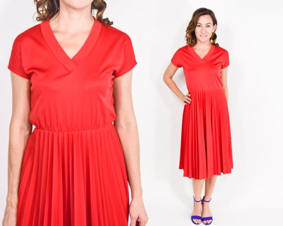 1970s Red Pleated Dress | 70s Short Sleeve Pleated