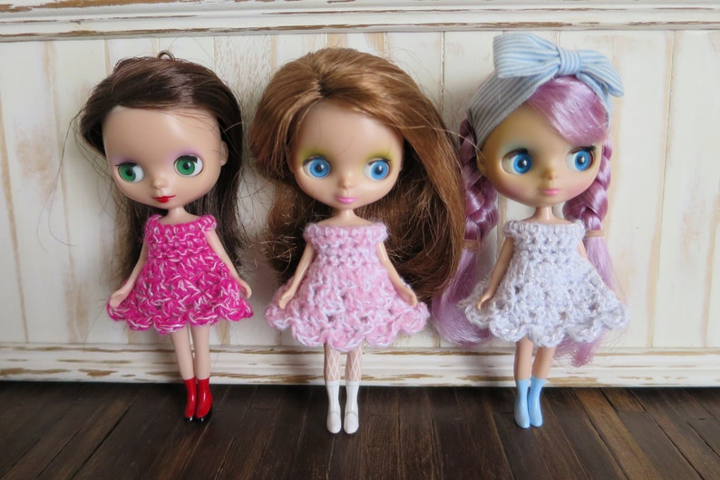 3 Pack Of Crochet Cupcake Petite Sparkly Blythe Dresses image 0