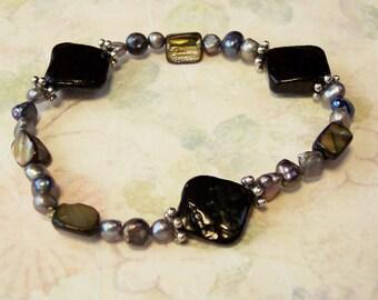 Black Bracelet, Black Mother of Pearl Nugget, Black Freshwater Pearls, Elastic Bracelet, Mother of Pearl Bracelet, Plus Size Bracelet