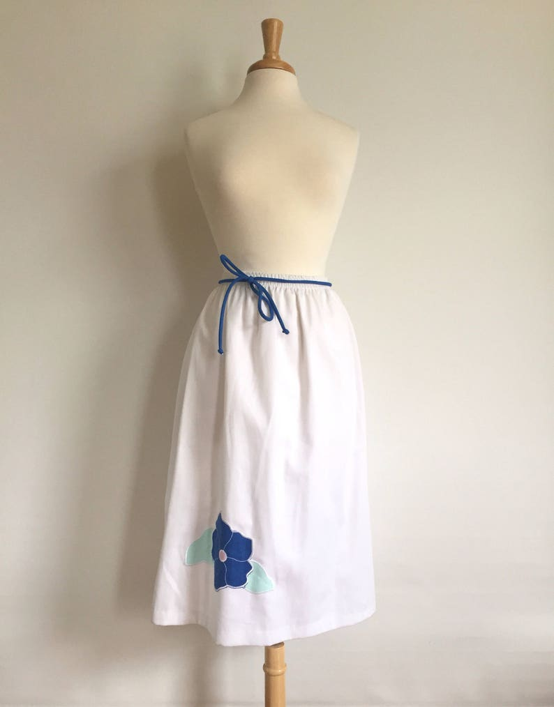 Vintage White Cotton Skirt with Flower Applique // Made in USA image 0