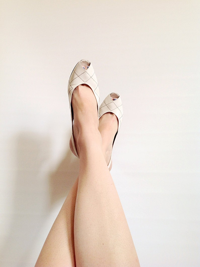 Vintage Stitched White Quilted Slingback Heels // Size 8 // image 0