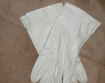 Vintage Off-White Kid Leather wrist length Gloves