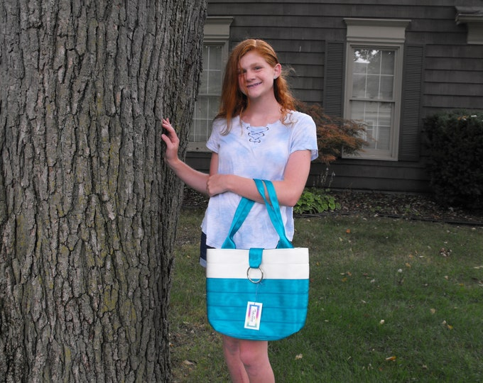 Handmade Medium White/Dk Teal Block Seat Belt Bag/Tote