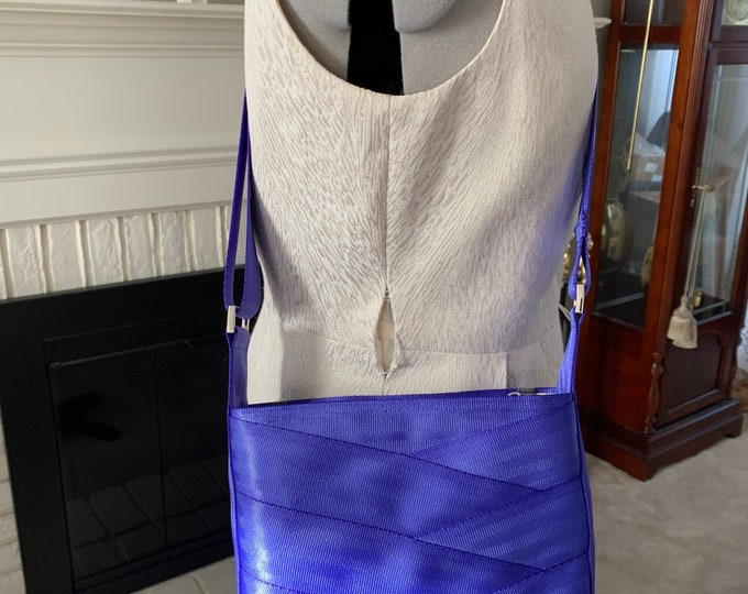 Limited Edition!  Periwinkle Roundabout Crossbody Seat Belt Bag