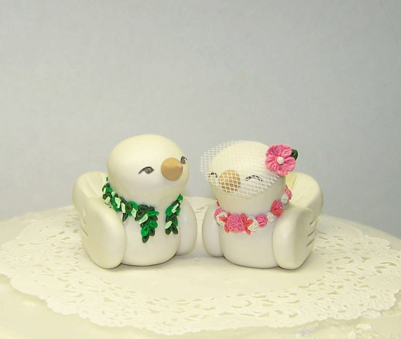 Hawaiian Wedding Cake.Hawaiian Wedding Cake Topper Tropical Love Birds With Maile And Lei Custom Colors Of Choice Shown In Coral Pink And White