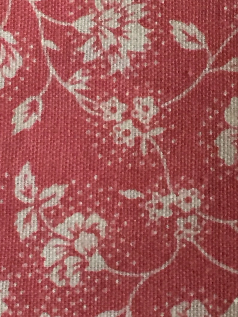 """36/"""" W Vintage Cotton Calico Per 1//2 Yd Tiny Blue Gold Flowers on Carmine Red"""