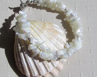 "White Mother of Pearl Crystal Gemstone Bracelet ""Clotted Cream"", White Bracelet, Shell Bracelet, Summer Bracelet, Beach Bracelet"