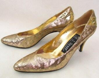 b071096338ba0 Size 8 gold shoes | Etsy