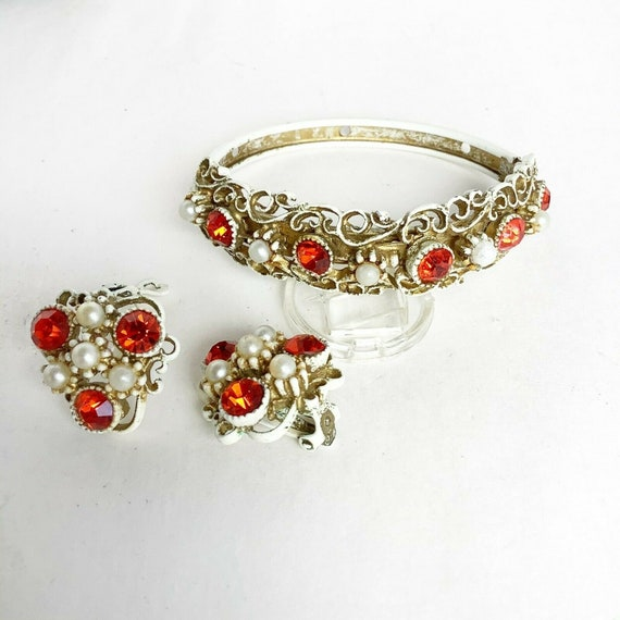 Early Vintage HAR bracelet and clip on earrings wi