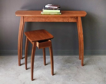 """22"""" Side Table in Walnut (no drawer)"""