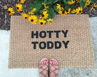 Hotty Toddy Doormat! Fun welcome mat for Ole Miss fans!
